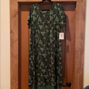LulaRoe Carly, black/green triangles, size 3X, nwt